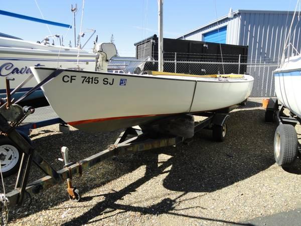 24' Raven Sailboat - $6000