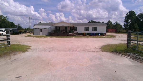 2400ft² - 5 Acres Commercial Property