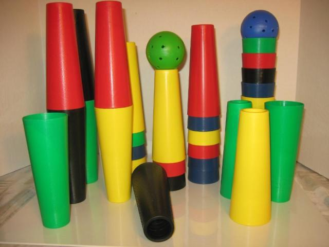 25 PC. PLASTIC CONES WITH 2 BALLS - PLAY SET - NEW