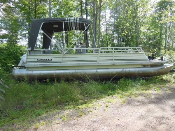 25 39 pontoon boat 1984 crest iii 45hp outboard w for Outboard motors for sale in wisconsin
