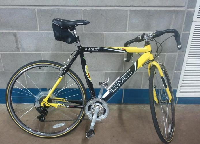* 26'' road bike for sale - $400 (uconn)