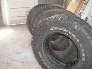 265-70-16 Pacemark snowtrakker tires - $100 (Boone,
