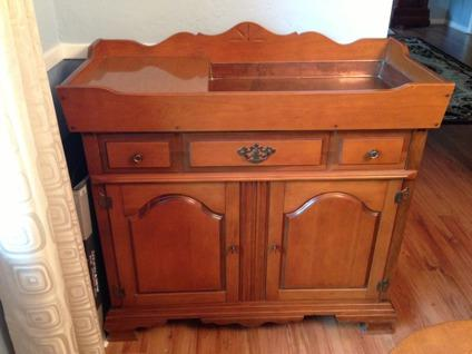 $265 OBO Ethan Allen Style Maple SIDEBOARD - small