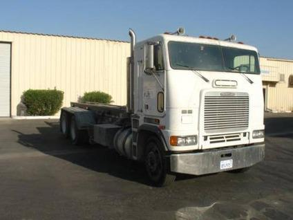 Roll off truck Freightliner for Sale in Thousand Palms, California