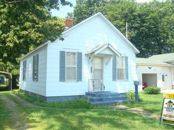 2br - 960ft² - Small 2 bedroom house for Sale in Carlinville ...