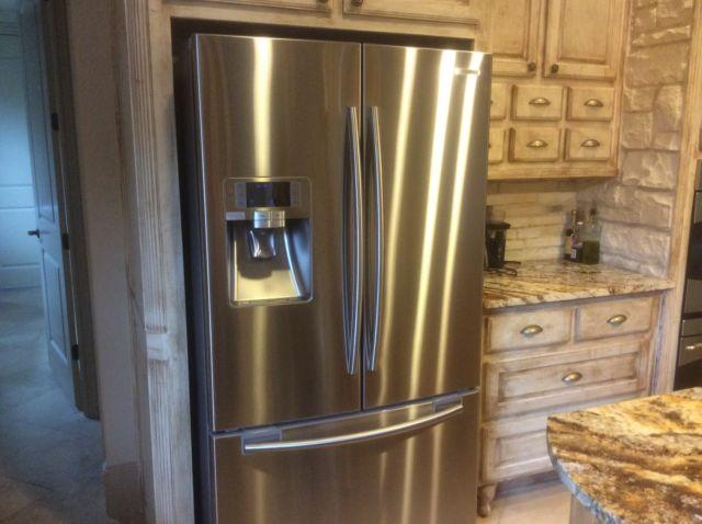 29 cu ft Samsung SS French Door Refrigerator, Excellent