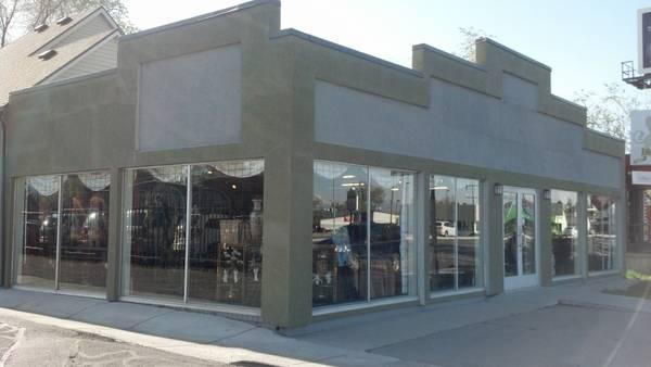 3810ft State St Retail Shop Sublease Available For