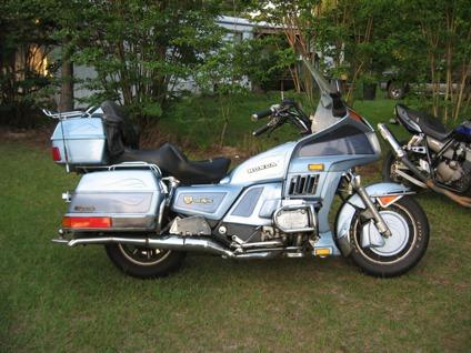 ... OBO2001 kawasaki zrx1200r, 1985 honda goldwing, 1987 dodge ramcharger