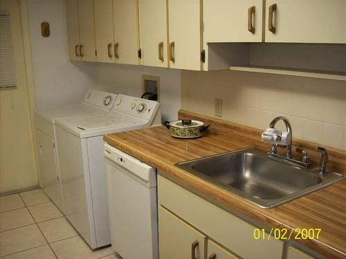 2b/2b Newly Remodeled Low Utilities Condo