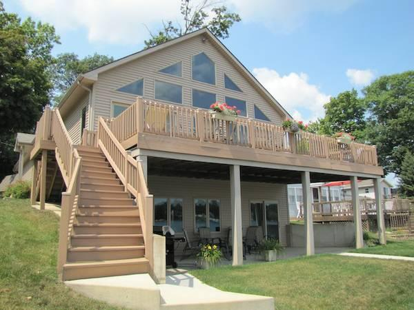 2br auction beautiful 2 story home on 50 39 of sandy for 2 story lake house