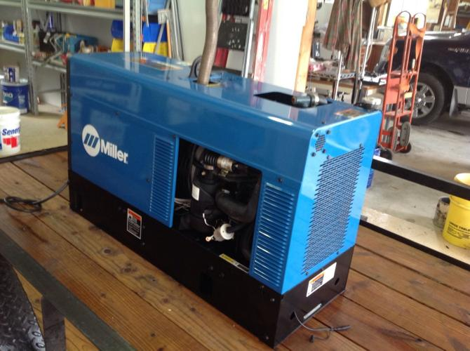 2O15 Like new Bobcat Welder Miller Generator 250 EFI