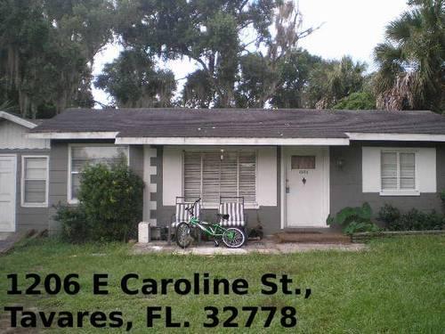 3/2-Home-$699-1206 E Caroline