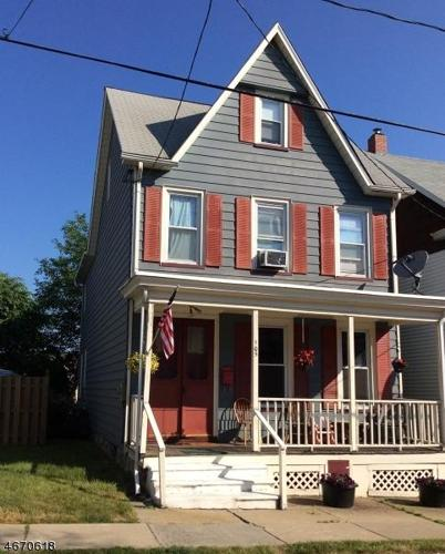 3 Bed 1 Bath House 105 SUMMIT AVE