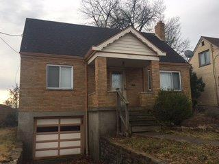 3 Bed 1 Bath House 1750 TUXWORTH AVE