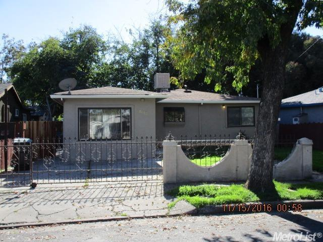 3 Bed 1 Bath House 2612 W ACACIA ST
