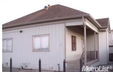 3 Bed 1 Bath House 918 E 2 Nd St