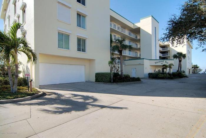 3 Bed 2 Bath Condo 190 PINELLAS LN #409