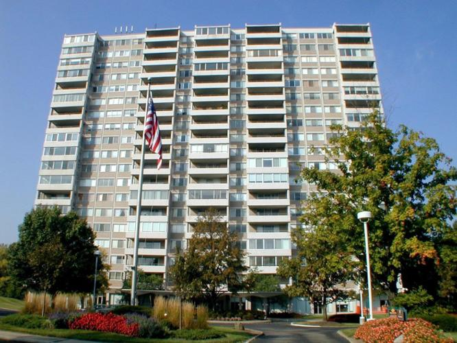 3 Bed 2 Bath Condo 2324 MADISON RD #1608