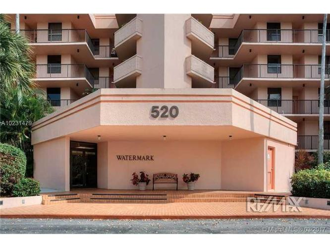 3 Bed 2 Bath Condo 520 SE 12TH ST #101