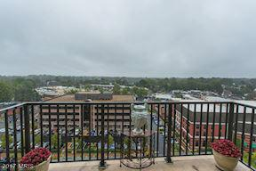 3 Bed 2 Bath Condo 6800 FLEETWOOD RD #1201