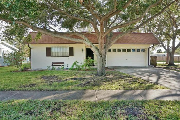 3 Bed 2 Bath House 1615 PELICAN DR