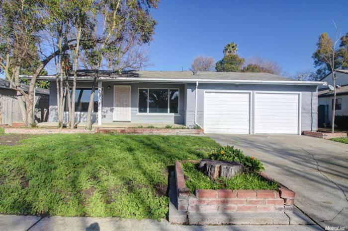 3 Bed 2 Bath House 1735 PALOMA AVE