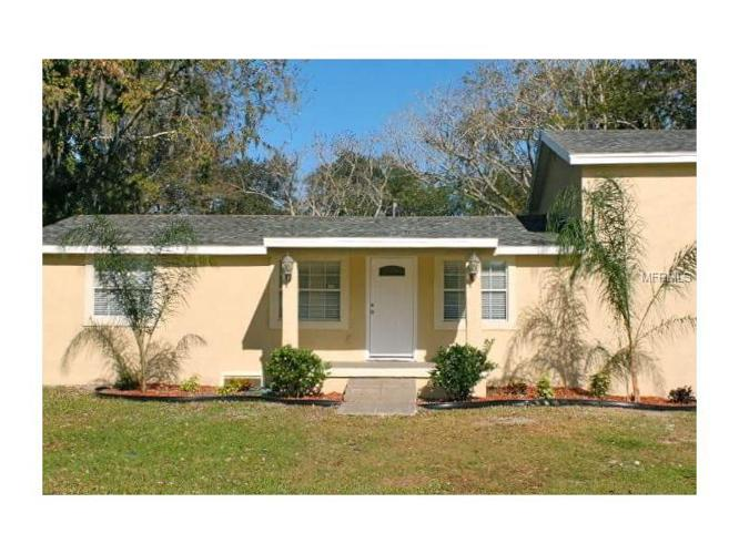 3 Bed 2 Bath House 21821 E COLONIAL DR