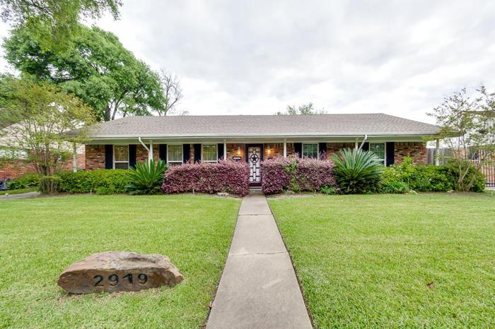 3 bed 2 bath house 2919 freshmeadows dr for sale in houston, texas classified americanlisted.com