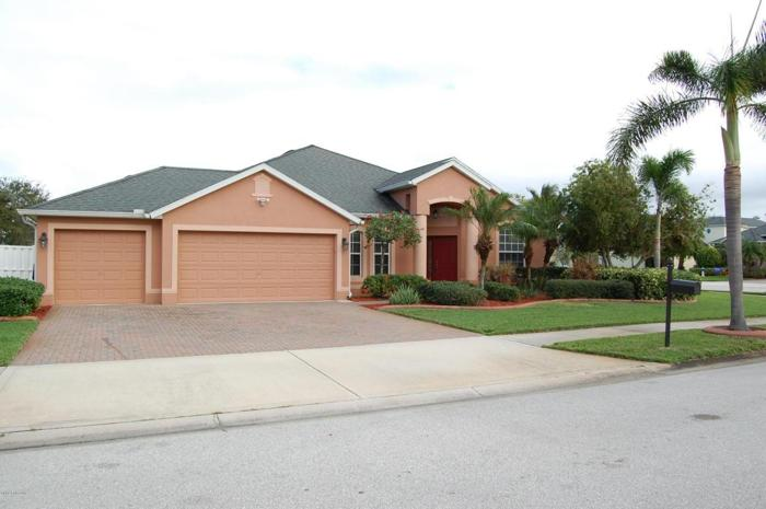 3 Bed 2 Bath House 4803 SAUVIGNON PL