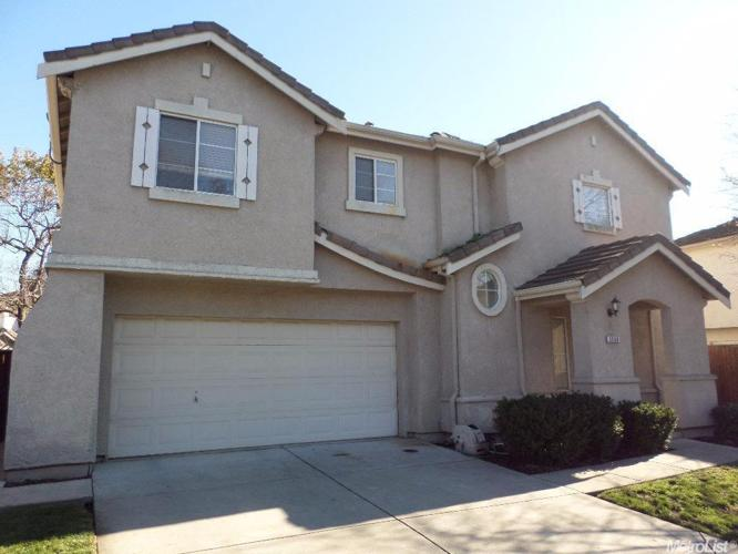 3 Bed 2 Bath House 5608 VINTAGE CIR