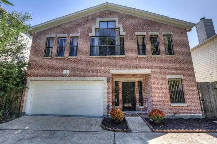 3 bed 2 bath house 5901 fairdale ln for sale in houston, texas classified americanlisted.com