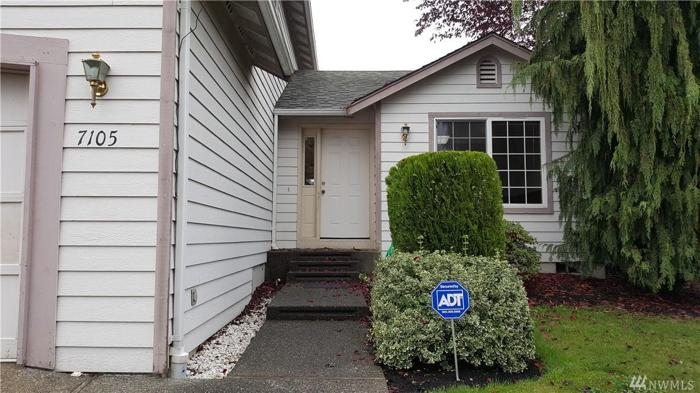 3 Bed 2 Bath House 7105 77TH AVE NE