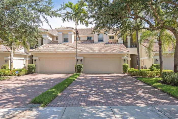 3 Bed 2 Bath House 738 Cable Beach Ln For Sale In West