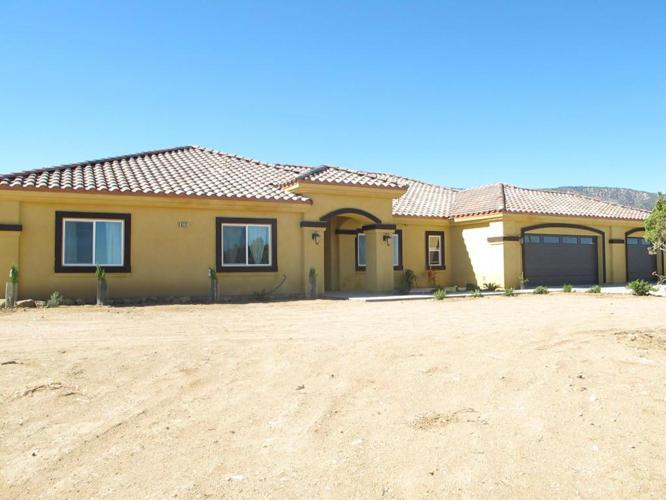 3 Bed 2 Bath House 873 Pinon Road