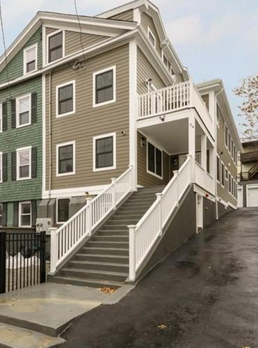 3 Bed 3 Bath Condo 54 PRINCETON ST #1