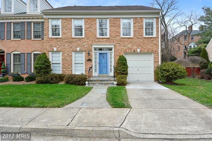 3 Bed 3 Bath House 1560 MCLEAN COMMONS CT
