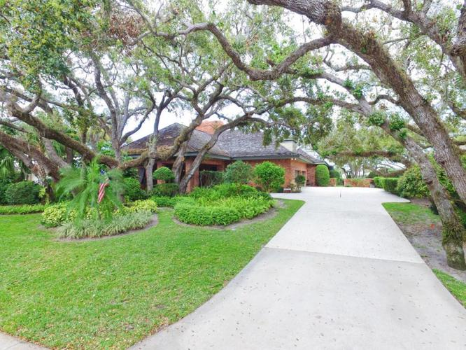 3 Bed 3 Bath House 420 COCONUT PALM RD