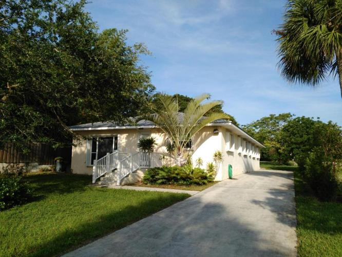 3 Bed 3 Bath House 8501 S Indian River Dr For Sale In Fort
