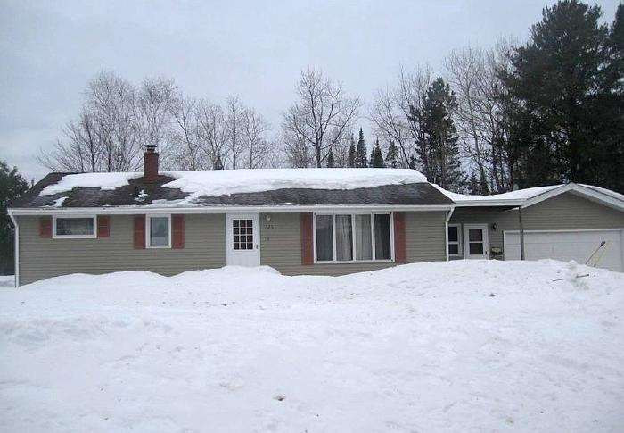 3 Bedroom 1.00 Bath Single Family Home, Aurora MN,