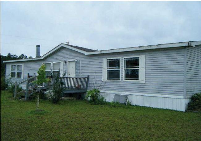 3 Bedroom 2.00 Bath Single Family Home, Fountain FL,