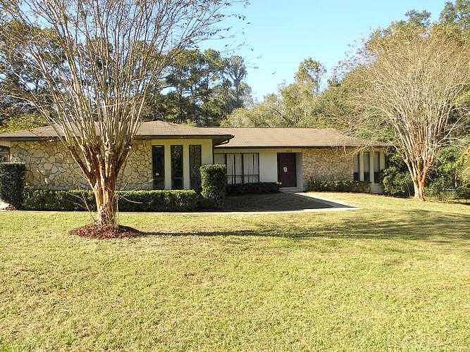 3 Bedroom 2.00 Bath Single Family Home, Mc Intosh FL,