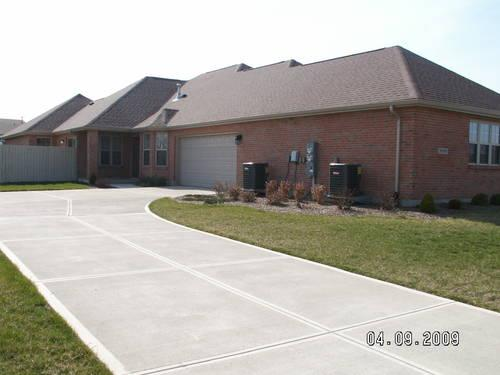 3 Bedroom Ranch Style Duplex 2 Bath With 2 Car Garage And