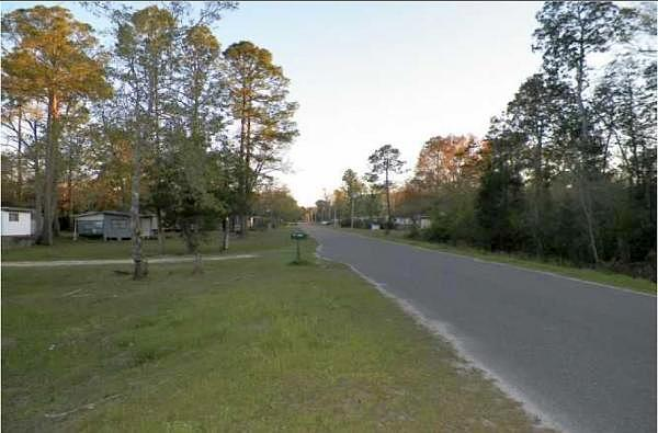 3 Bedroom Single Family Home, Wewahitchka FL, 32465