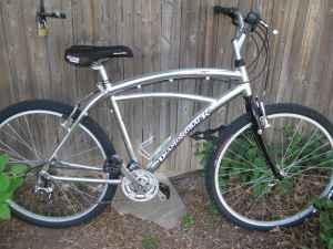 3 Bikes Diamondback, Schwinn, Giant - (Amarillo) for Sale in