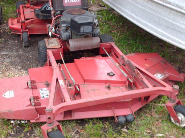 3 commercial walk behind mowers   all toro prolines   400 and up - $400  (Homosassa)