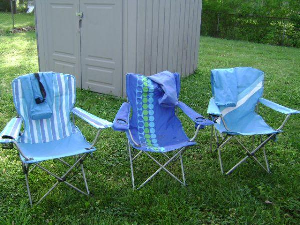 3 fold up lawn chairs with bags Clarksville for Sale in Clarksville Tenn