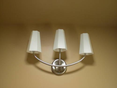 3 LIGHT BATH BAR FIXTURE - BRAND NEW for Sale in Newtown Square ...