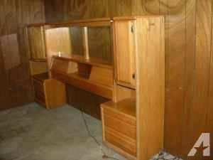 3 piece light oak king bedroom set for sale in frydek texas classified for Light oak bedroom furniture sale