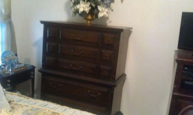 3 Pieces Of Antique Bedroom Furniture For Sale In Newnan Georgia Classified