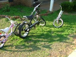 3-SCHWINN STRINGRAY CHOPPER BIKES - $50 Daphne Al